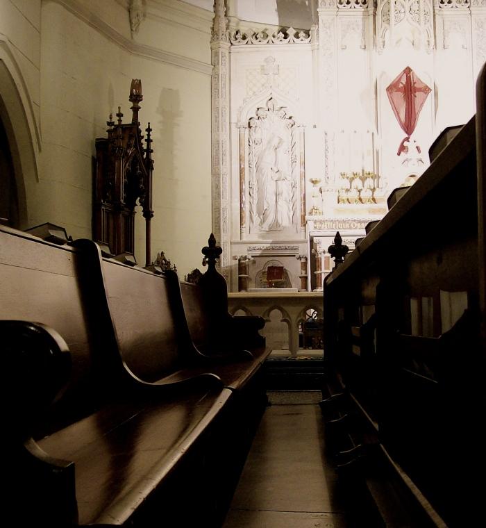 Altar_cross_enshrouded_for_Lent
